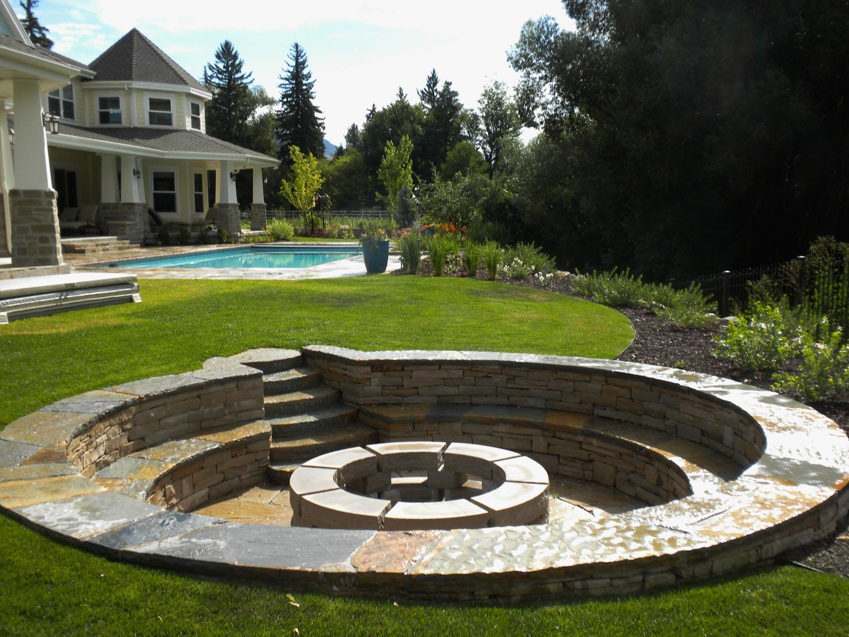 8 Reasons to Build A Backyard Fire Pit - Oxford Posthole ...